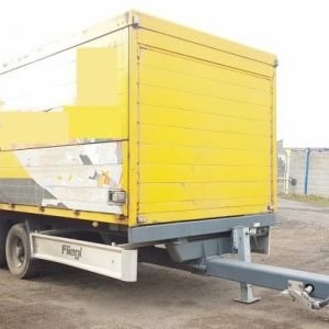 foto 10.5t lowdeck 6m box trailer drinks